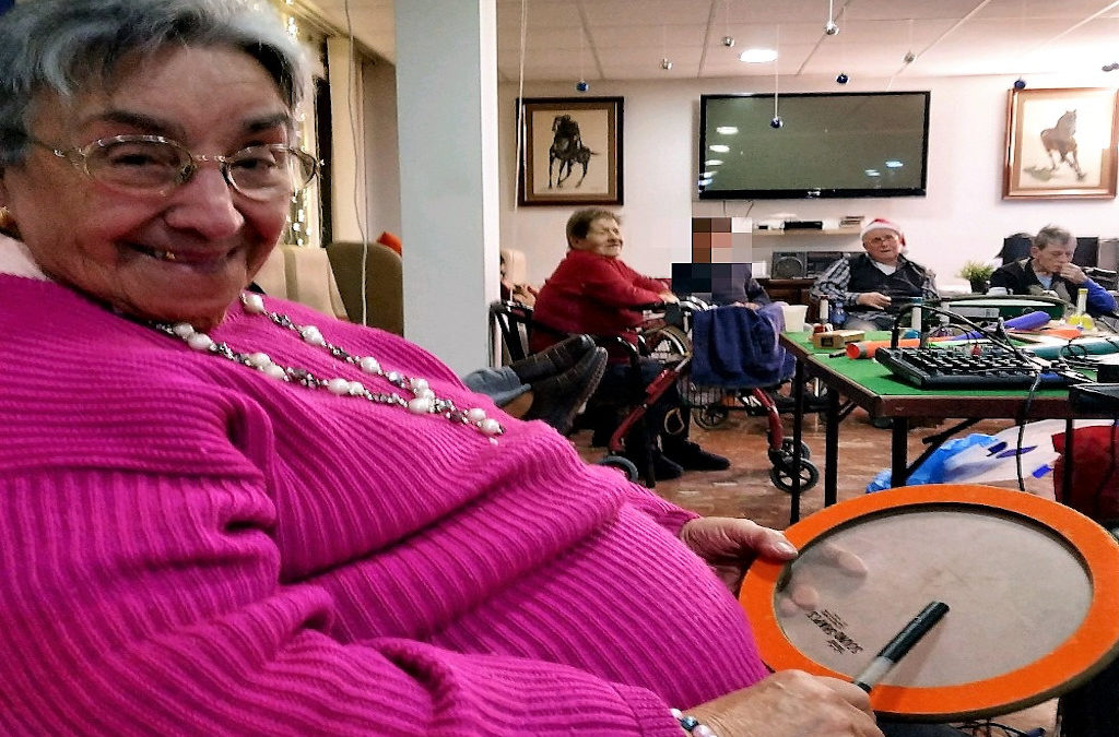 Música y Salud Navideña en el ámbito geriátrico